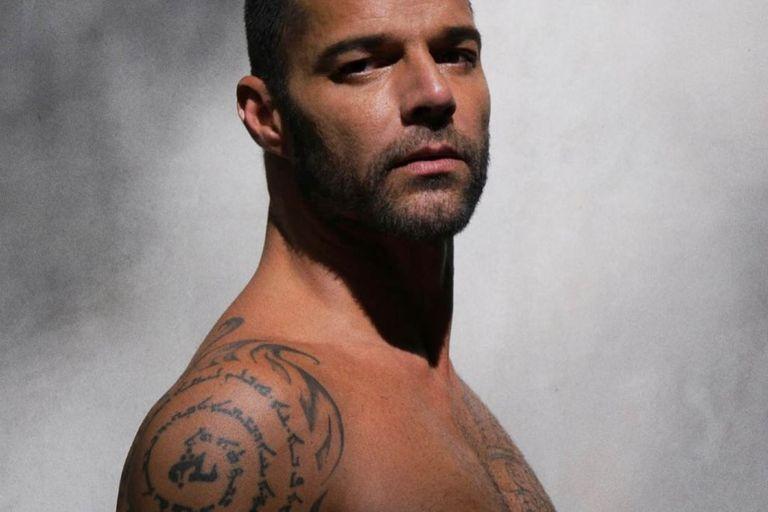 Ricky Martin publicó una foto en la ducha y ardieron las redes