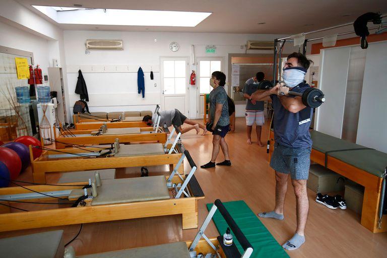 Los gimnasios también abrieron a pesar de las restricciones