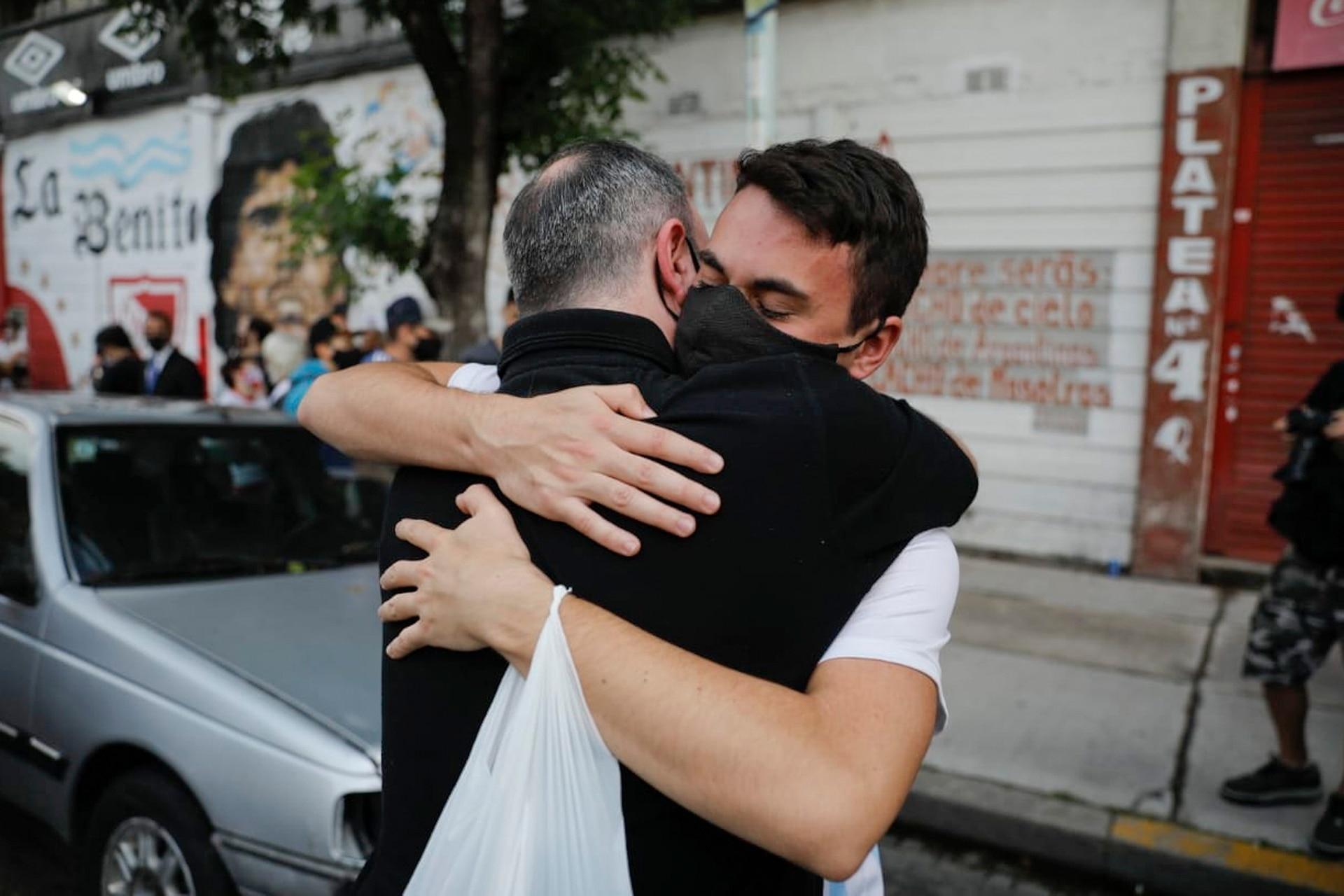 Emotivo abrazo en Argentinos Juniors