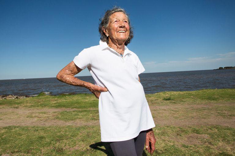 Elisa Forti tiene 85 años y empezó a correr a los 72, y con una personalidad e historia tan atrapantes ya cuenta con un libro y ahora estrenará una película sobre su vida
