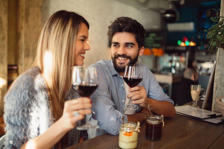 Llega una aplicación para buscar compañía y no cenar solos