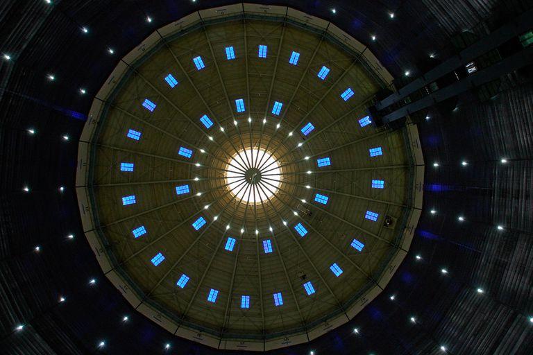 El techo del gasómetro de Oberhausen convertido en centro cultural