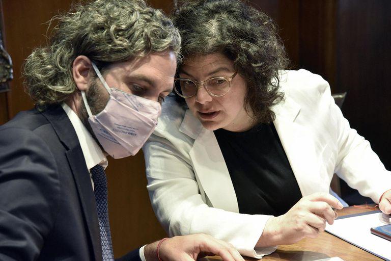 Con el Presidente aislado tras el diagnóstico de Covid positivo, Santiago Cafiero y Carla Vizzotti trabajan en las nuevas medidas contra el avance del virus