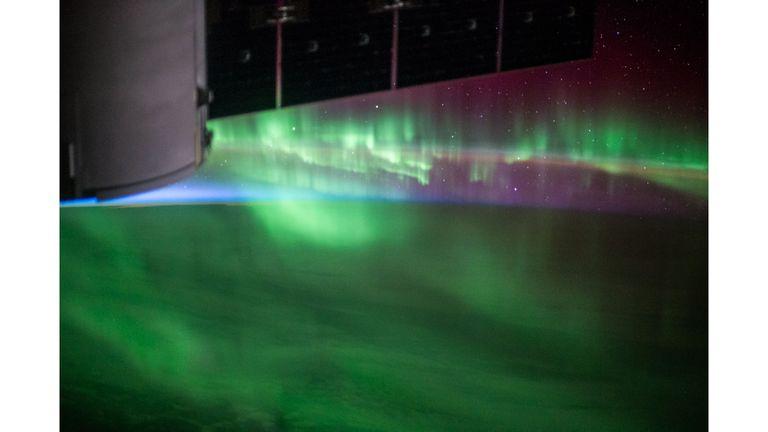 Aurora Australis sobre el océano al sur de Australia occidental