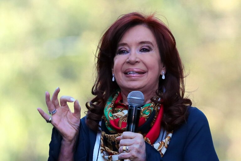 """La RAE lo confirmó a través de un tuit: """"presidenta es un femenino documentado en español desde el siglo XV"""""""