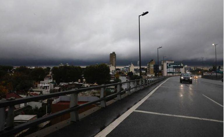 El Servicio Metereológico Nacional (SMN) emitió dos alertas por lluvias, tormentas y fuertes vientos