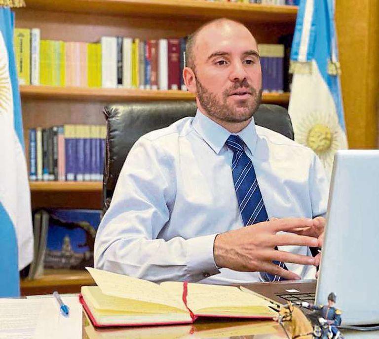 Guzmán busca un cambio en la relación con el FMI