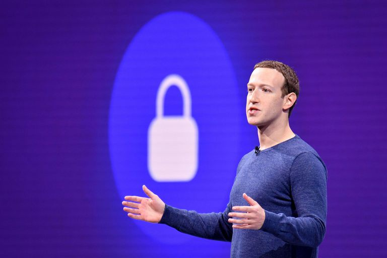 """Zuckerber dijo que peleará """"a muerte"""" contra el plan de la candidata demócrata, Elizabeth Warren"""