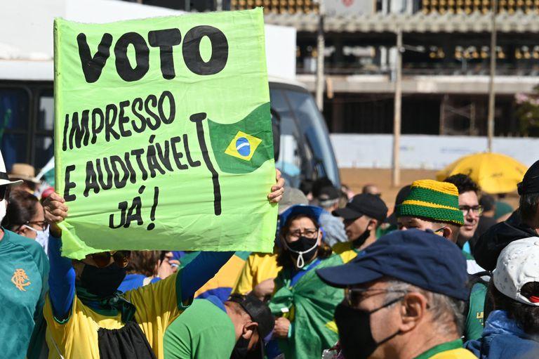 Las personas exigieron por el voto impreso en Brasil