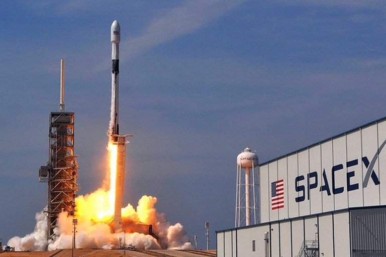 SpaceX será el principal socio de la firma Satellogic para el envío de microsatélites al espacio