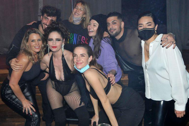 Romina Richi fue sorprendida por sus excompañeros de La Academia, quienes fueron a verla en la obra Sex