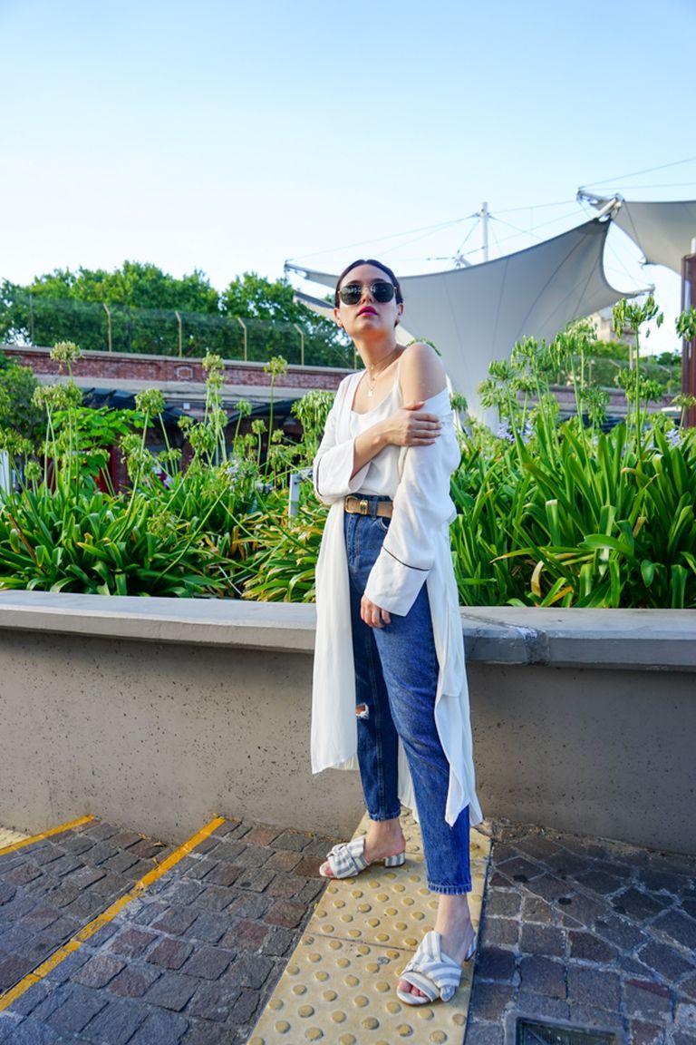 Kimono: DELUCCA Mom Jean: Top Shop Zapatos Natacha
