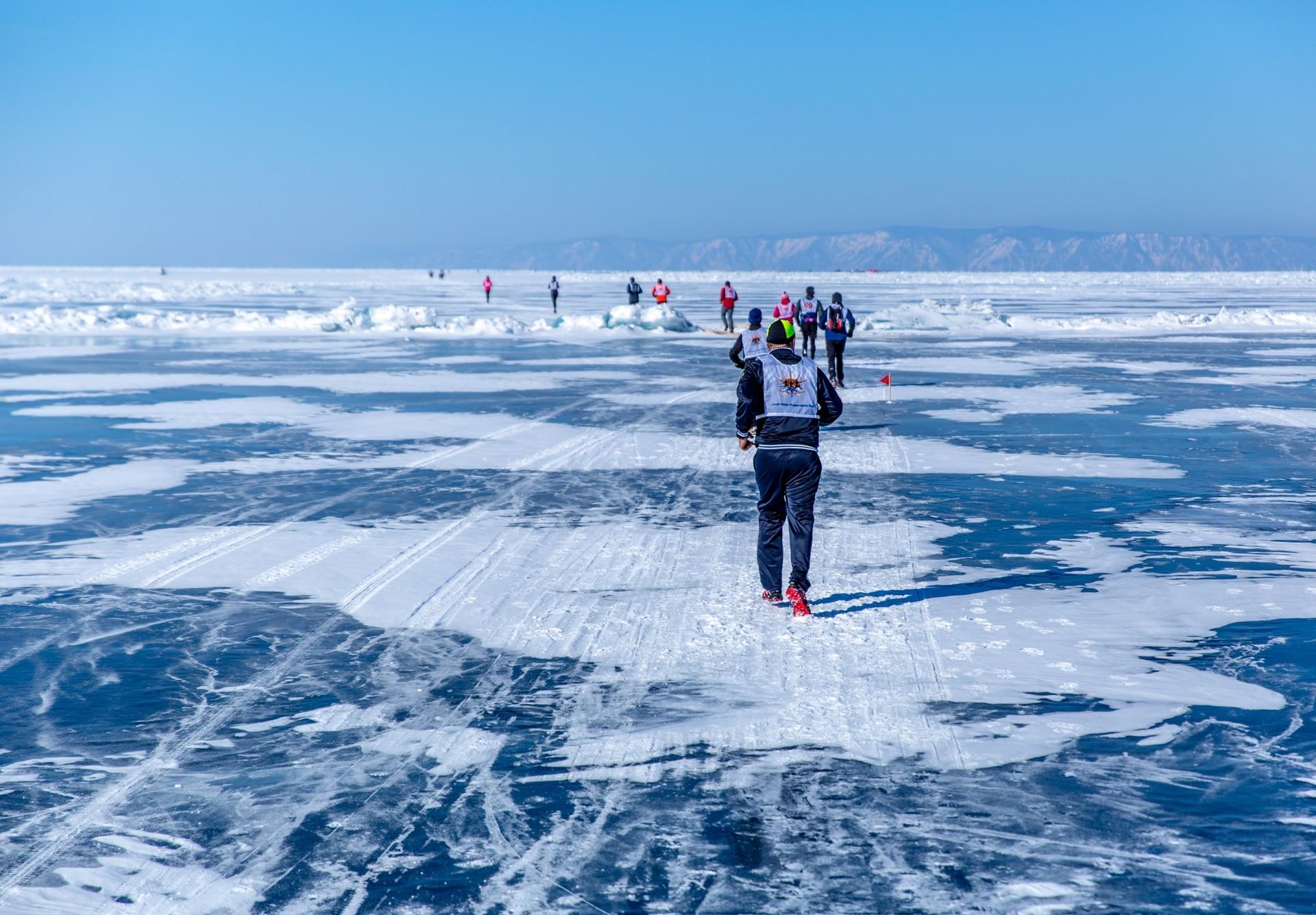 Algunos tramos de la carrera se realizan directamente sobre hielo.