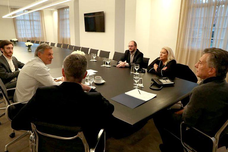 La última foto de Francisco Cabrera junto a Elisa Carrió y Mauricio Macri