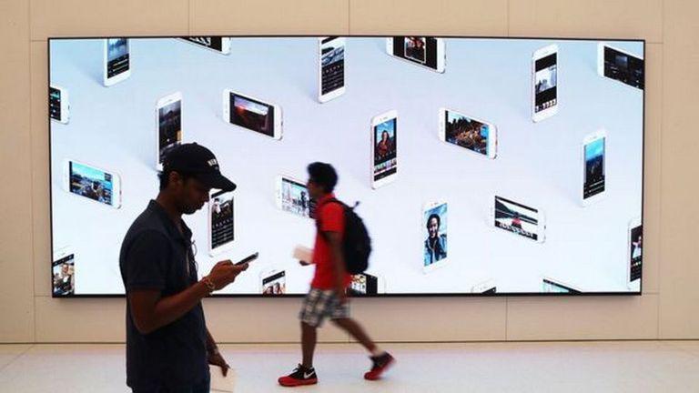 Las ventas del iPhone cayeron por primera vez, pero la compañía sigue siendo la de mayor cotización del mundo