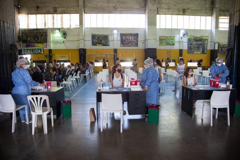 Cómo se tramitar el certificado de vacunación contra el coronavirus en la ciudad de Buenos Aires
