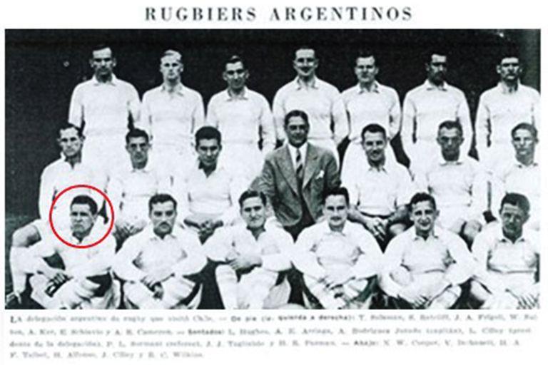 Marcado con un círculo, Noel William Cooper, tal vez el más destacado de los casi 600 jugadores de rugby de la Argentina que se enrolaron en las filas británicas para la Segunda Guerra Mundial.