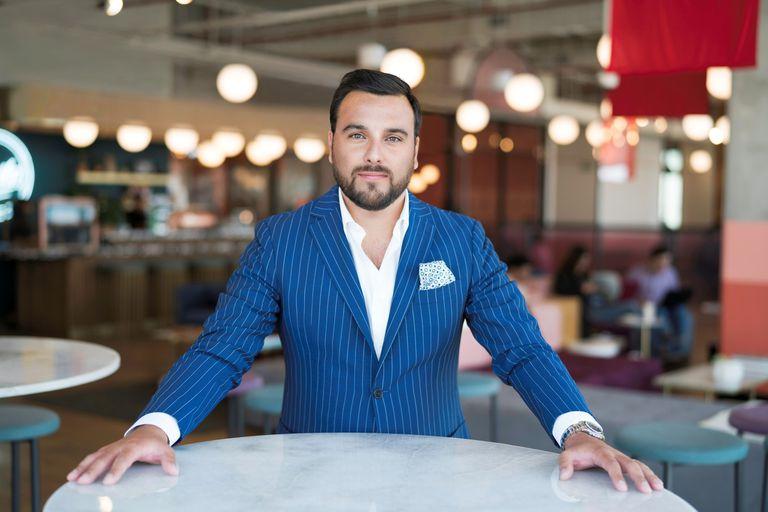 Damián Gona es un un experto en atención al cliente y analiza nuestro comportamiento a la hora de solicitar ayuda o quejarnos frente a las empresas