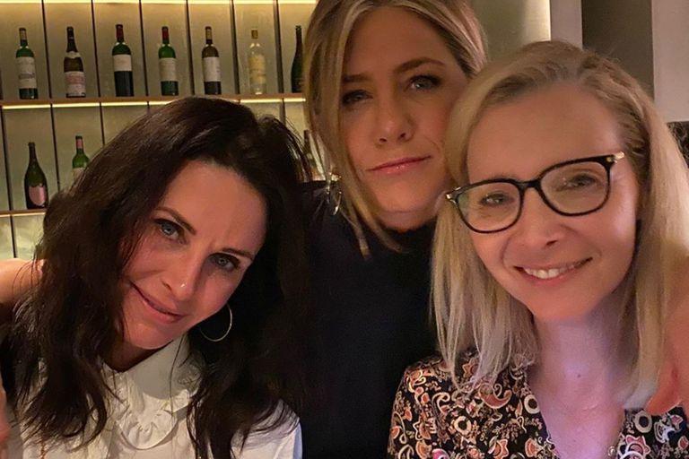 Aniston, Cox y Kudrow hacen campaña para las elecciones de Estados Unidos