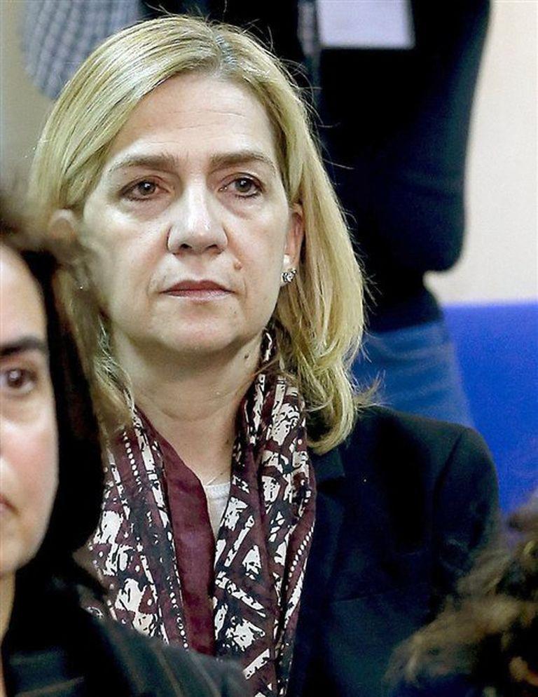 La infanta Cristina, en el banquillo de los acusados, ayer en Palma de Mallorca