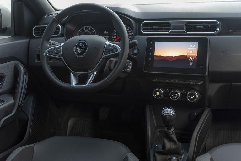 Todo nuevo. De diseño simple, pero muy funcional, el interior del Renault Duster Iconic 4x4 es amplio y confortable