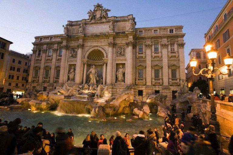 La Fontana di Trevi, para lanzar la moneda y recordar La Dolce Vita