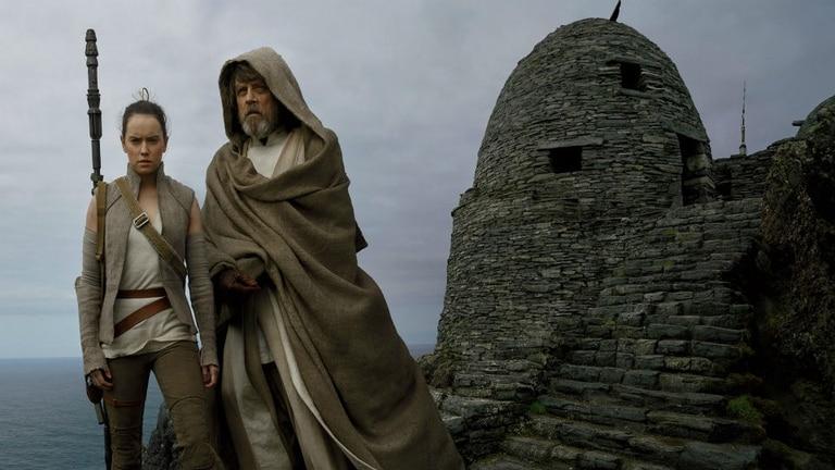 Daisy Ridley y Mark Hamill en Los últimos Jedi
