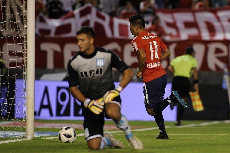 Festeja Fernández; se lamenta Musso. El Rojo ganaba por 2-0, pero la Academia reaccionó en un partido intenso; en los penales fue más preciso Independiente