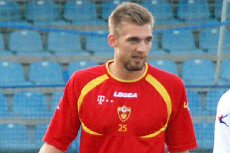Esteban Saveljich, con la camiseta de Montenegro