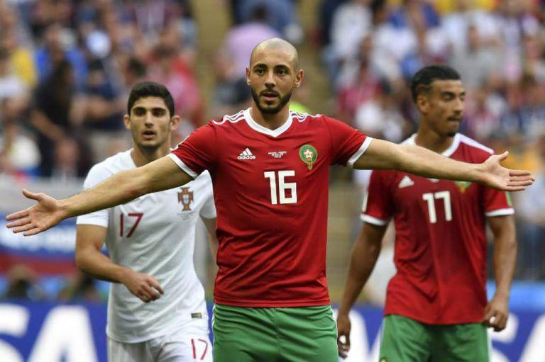 """Un jugador marroquí se quejó del árbitro: """"Le pidió la camiseta a Ronaldo"""""""