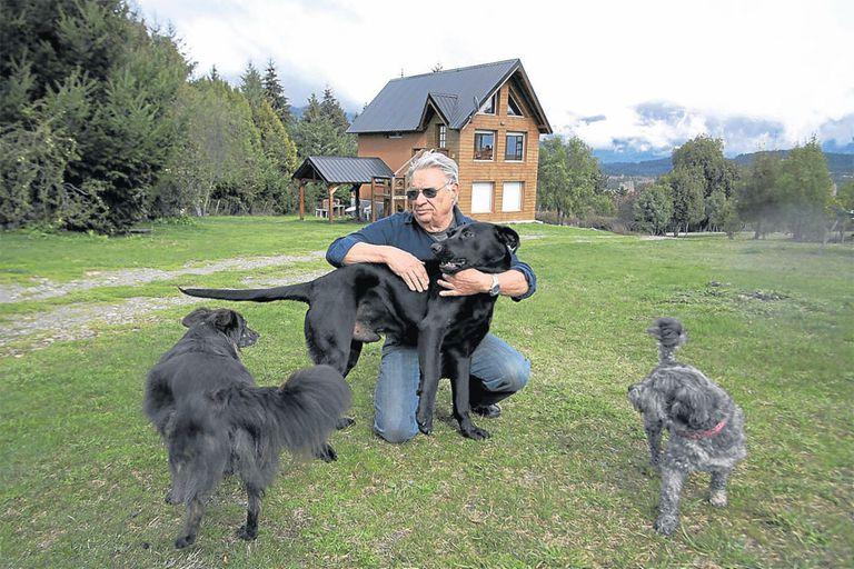 Esteban Gandulfo, disfrutando de su vida en Lago Puelo, Chubut