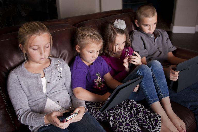 Cuarentena y pantallas: ¿cómo ayudar a nuestros hijos a encontrar el equilibro?