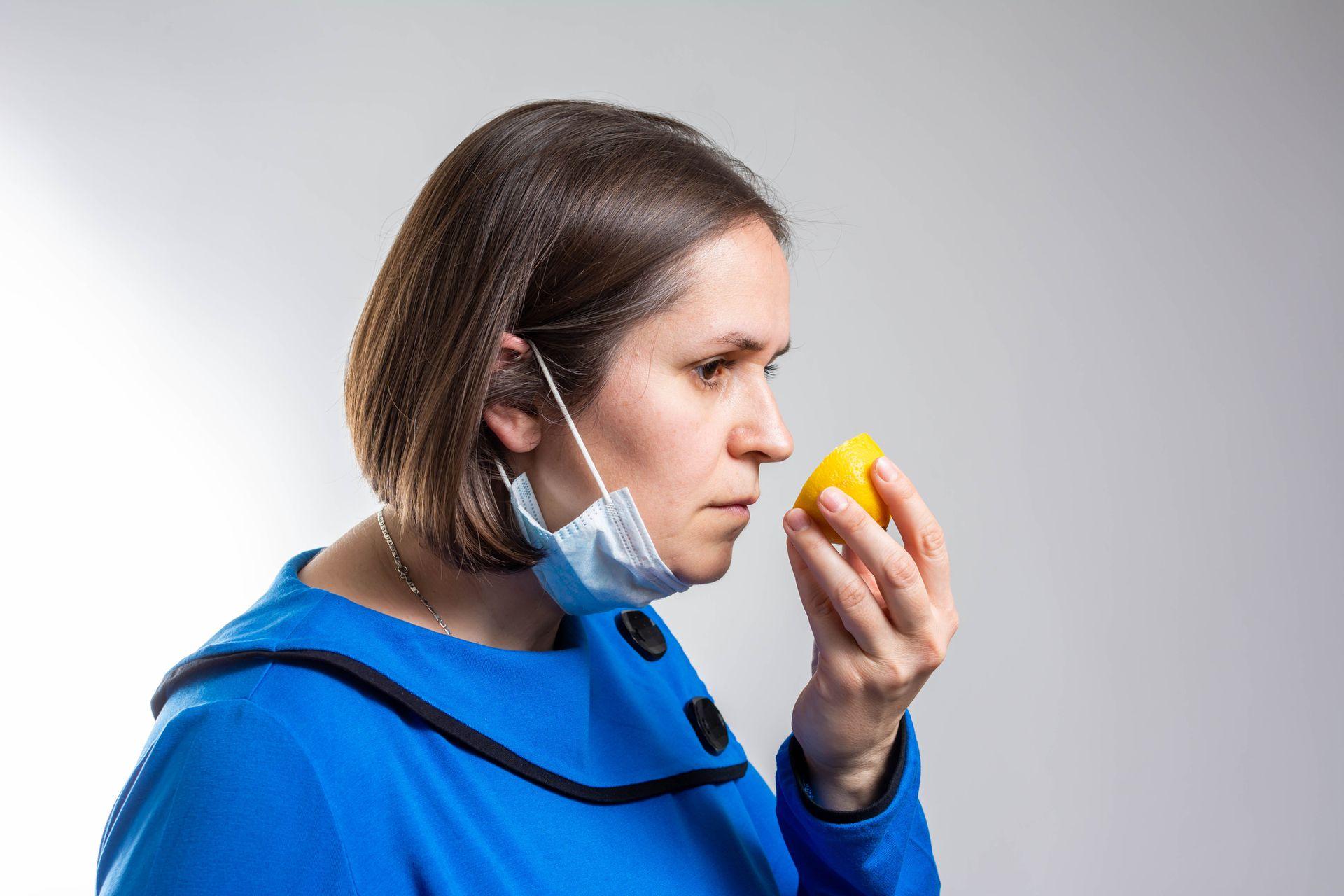La anosmia (pérdida del olfato) por Covid-19 confunde a los pacientes y a los médicos, que como nunca antes reciben a personas que dejaron de oler completamente de un día para el otro