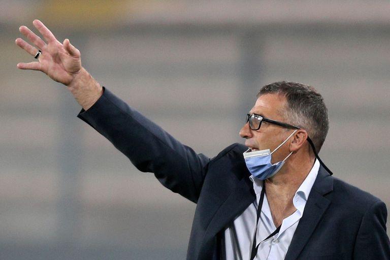 """Juan Antonio Pizzi, otra """"víctima"""" del desesperado fútbol argentino"""
