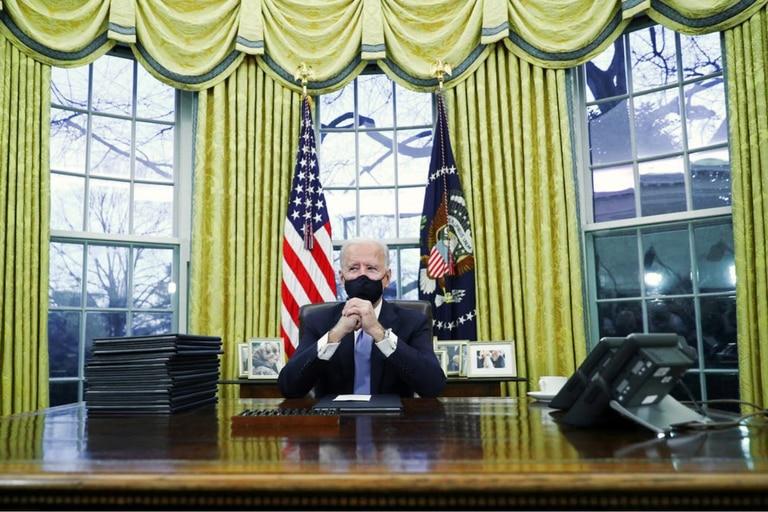Biden se enfoca en la lucha contra el coronavirus