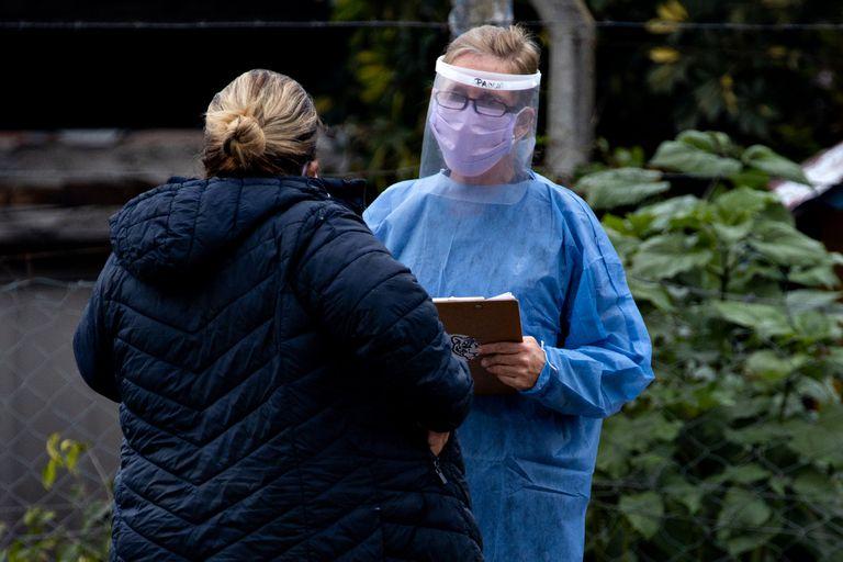 Según los datos oficiales difundidos hoy, los contagios en las últimas 24 horas fueron 5062 y en total suman 1.503.222; se reportaron 275 muertes desde ayer