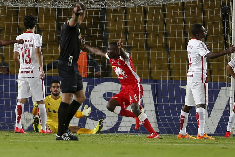 Dairon Mosquera festeja el gol agónico