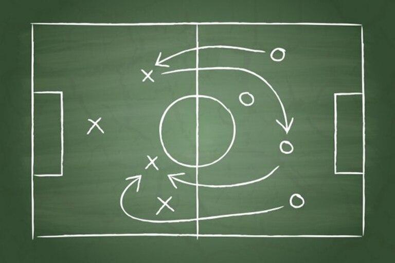 Sólo 4 entrenadores se aferraron a un solo sistema de juego. Y dentro de esa diversidad, un abordaje no tan visto en los últimos años: la línea de 3. Al menos 9 de los 24 técnicos la utilizaron