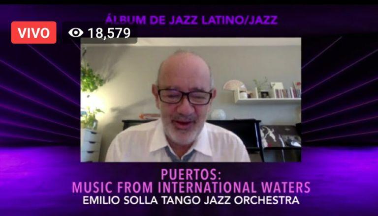 Emilio Solla, en el agradecimiento del premio durante la entrega de las primeras estatuillas en los Latin Grammy 2020