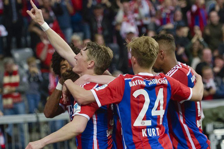 Schweinsteiger festeja el gol que puede valer el tricampeonato