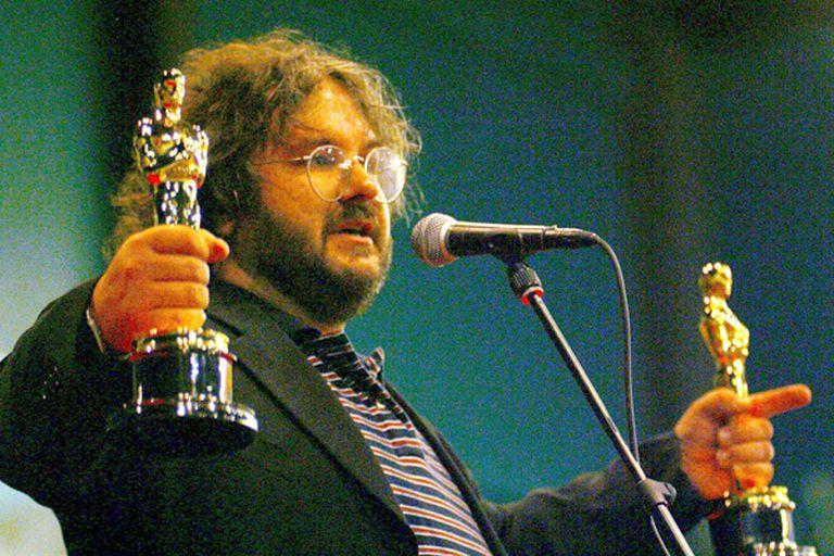 Peter Jackson, con sus dos Oscar en mano
