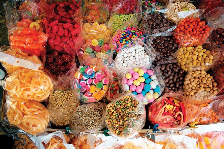 Los dulces y botanas son muy típicos en México, ¡Hasta las golosinas tienen picante!