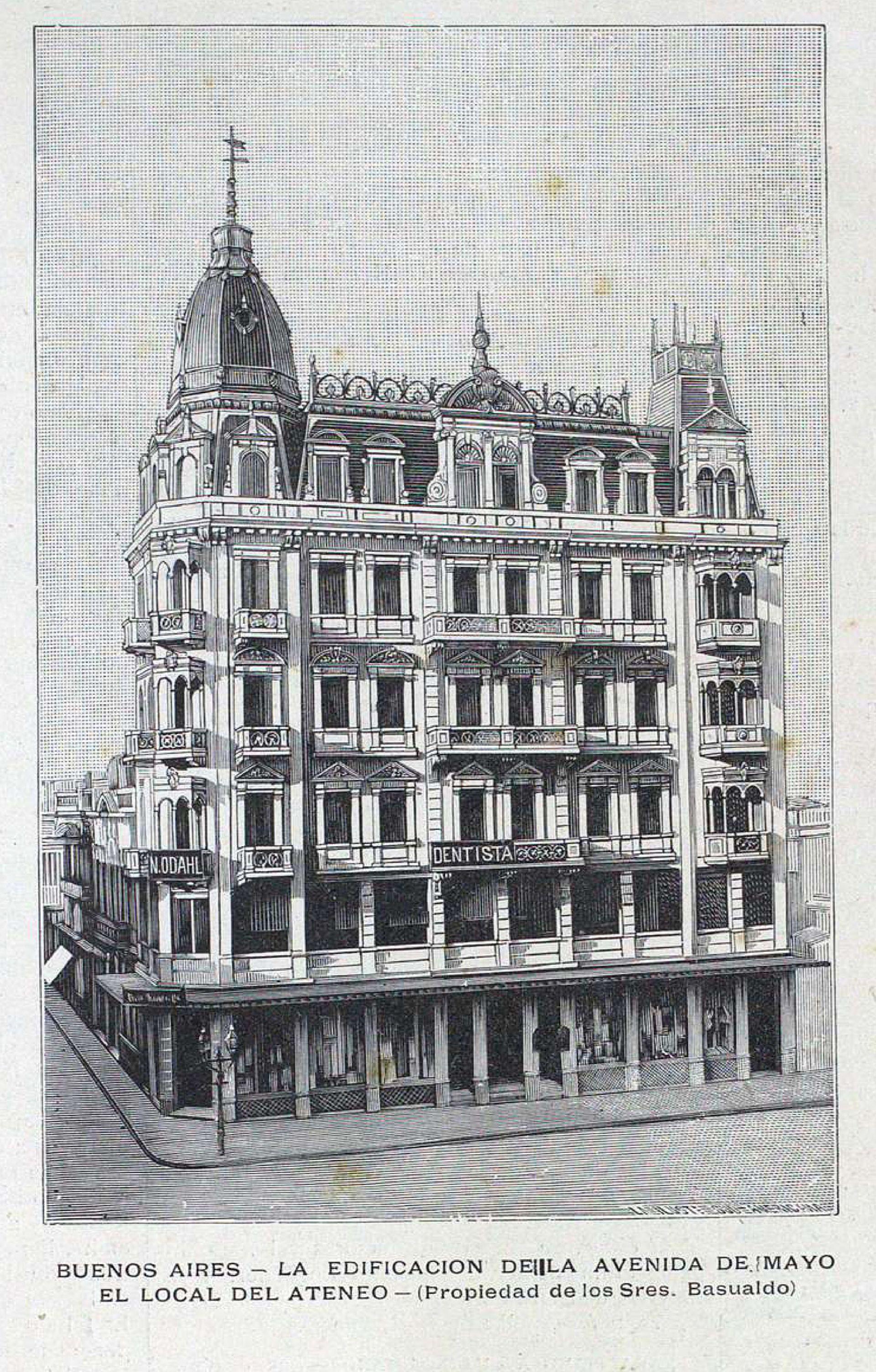 Esquina de Piedras y Av. de Mayo, uno de los primeros edificios de la avenida. Aunque bastante modificado, aún se mantiene en pie.