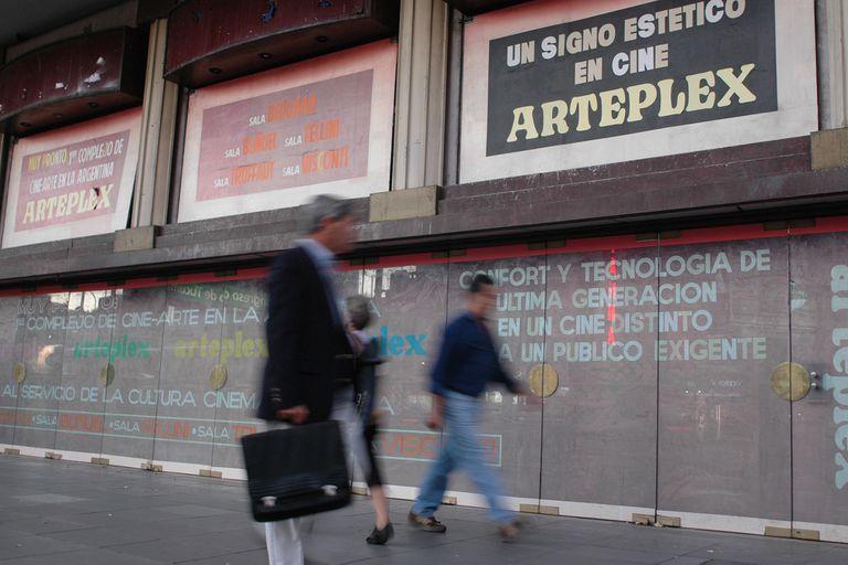 Uno de los momentos de cambio del viejo cine Savoy, que acaba de cerrar su historia con la clausura del complejo Artemultiplex