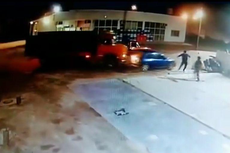 Un camionero despechado destrozó el auto del novio de su expareja en San Juan. Lo condenaron a tres años de prisión en suspenso