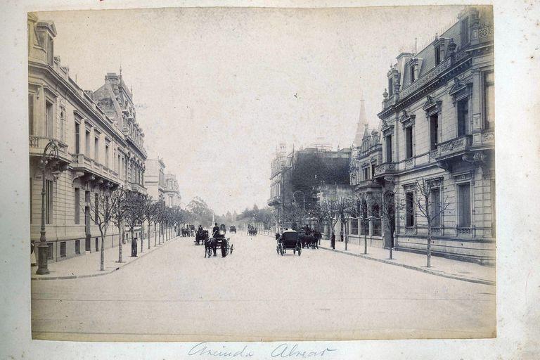 Vista de la Av. Alvear a finales del siglo XIX.