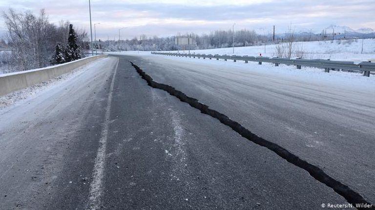 Alarma: un fuerte terremoto en la costa de Alaska provocó una alerta de tsunami