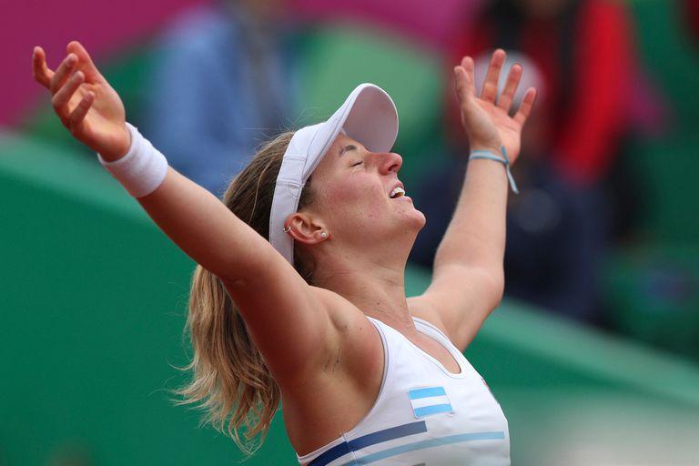 El festejo de Nadia Podoroska, ganadora de la medalla de oro en el torneo de tenis de los Juegos Panamericanos