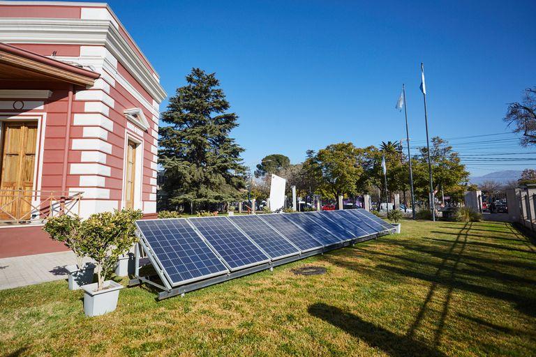 El precio de los paneles solares se redujo en los últimos seis años