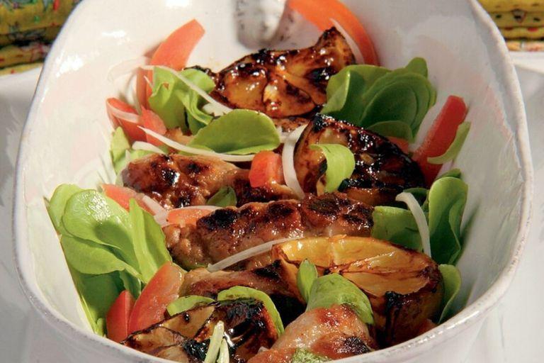 Mollejas crujientes con ensalada con receta de Francis Mallman